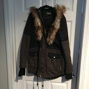 Express Coat with Fur detailing